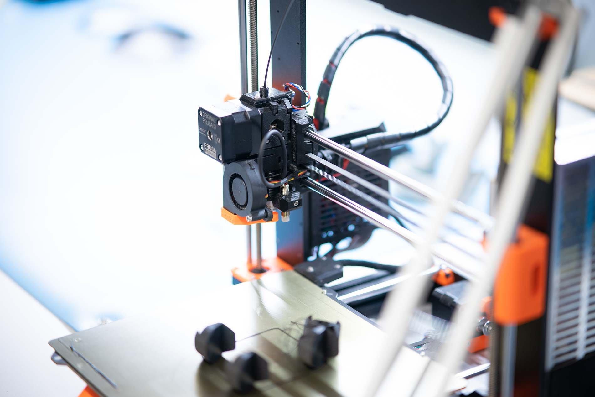 L8 Birds 3D Drucker Führung Startup Garage TechBase